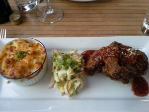 Fried Chicken with Mac N Cheese & Coleslaw